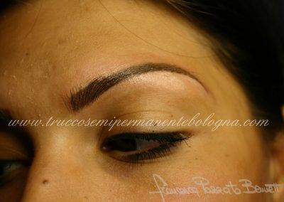 Eyebrow tattoo Bologna